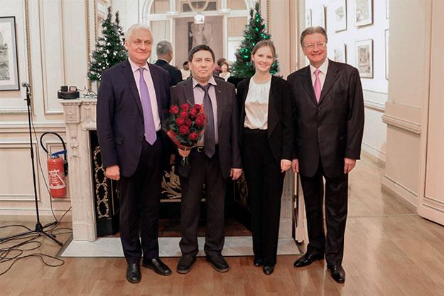 На открытии выставки Н.Г. Вагапова в Париже